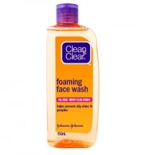 CLEAN & CLEAR® Essentials Foaming Face Wash 150mL
